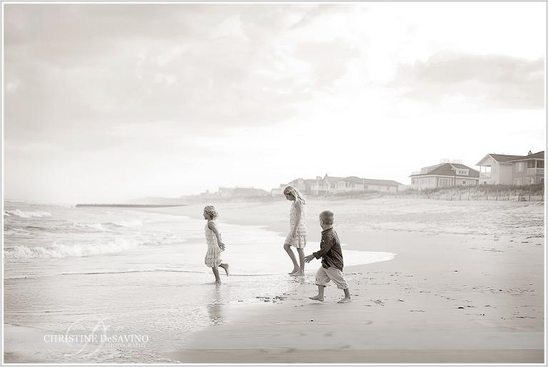 Black and white beach scene with children - NJ Beach Photographer